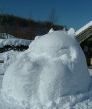 そうです!おそらく世界初アルパカの雪像です!