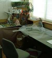 事務所から人形たちが消えた?